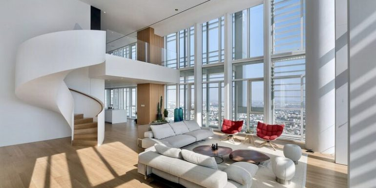 Luxury Penthouse in Meier tower on Rothschild