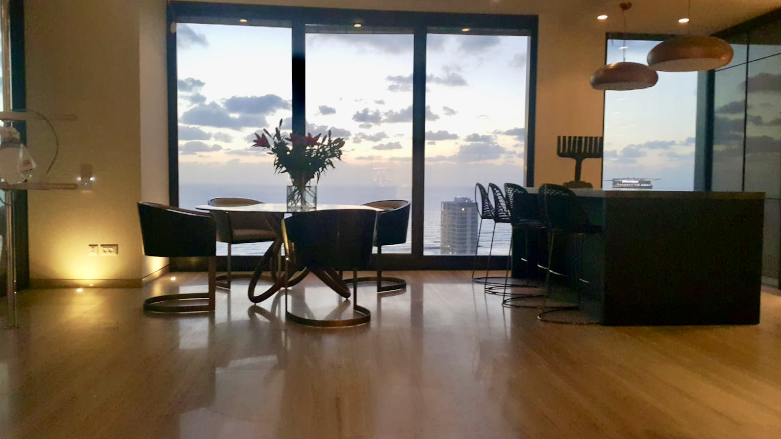 -RENTED- Fabulous 4 room in White city residence
