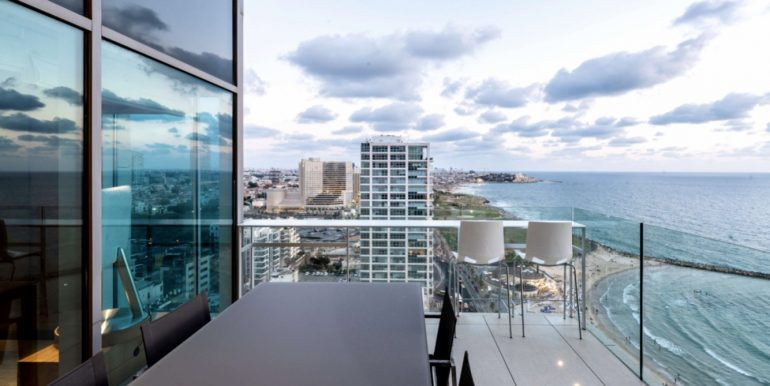 Luxury apartment Royal beach Tel Aviv Landmark