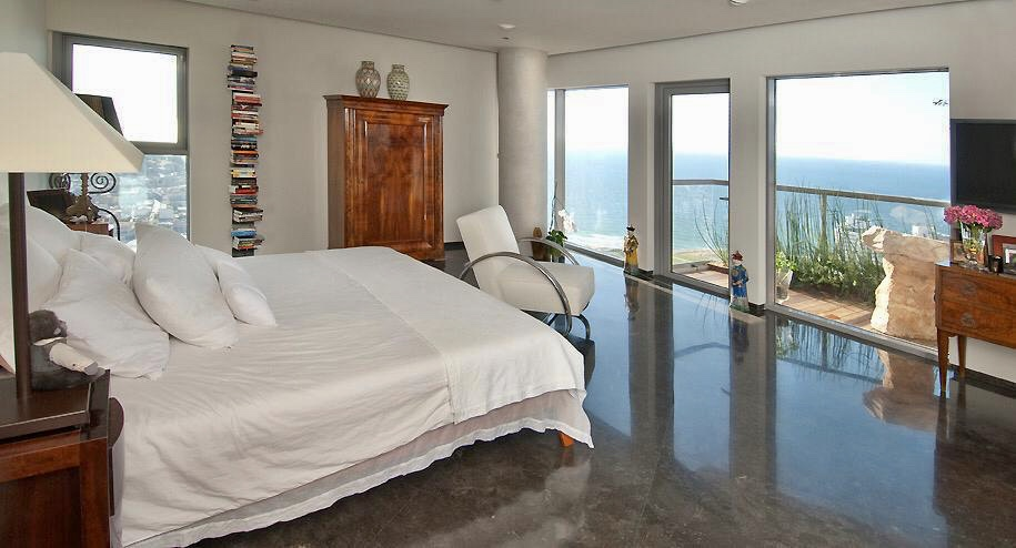 Astounding unit in Neve Tzedek Tower